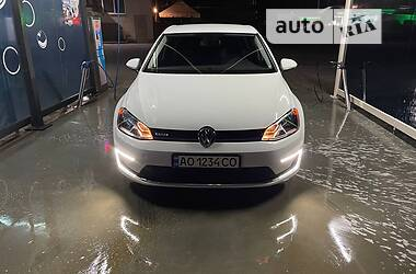 Хетчбек Volkswagen e-Golf 2016 в Виноградові