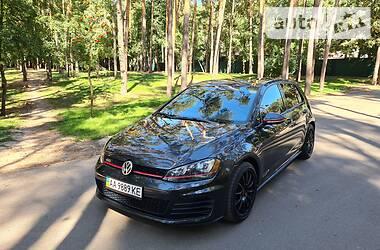 Хэтчбек Volkswagen Golf GTI 2015 в Киеве