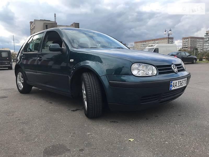 Volkswagen Golf IV 2000 в Вараше