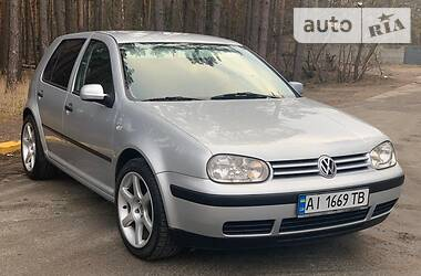Volkswagen Golf IV 2000 в Киеве