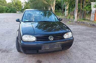 Хэтчбек Volkswagen Golf IV 2001 в Новой Каховке