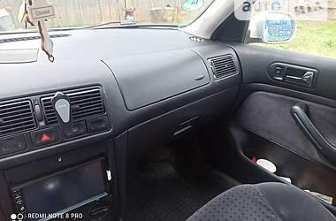 Хэтчбек Volkswagen Golf IV 1998 в Березному