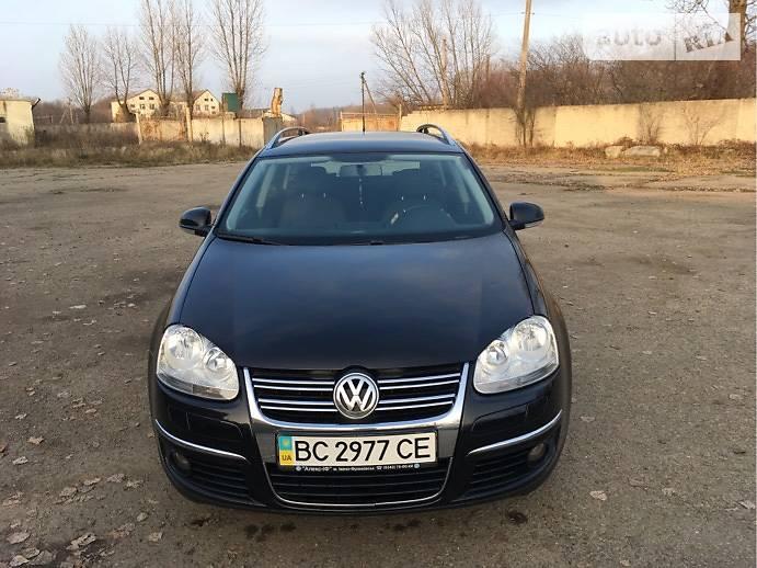 Volkswagen Golf 2008 року в Львові