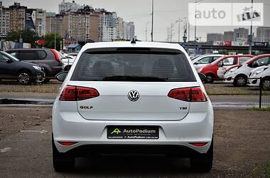 Хэтчбек Volkswagen Golf VII 2014 в Киеве