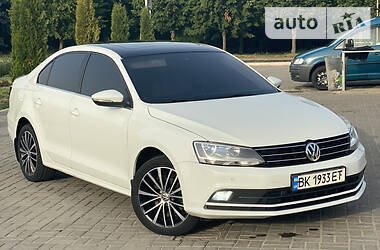 Седан Volkswagen Jetta 2016 в Дубно