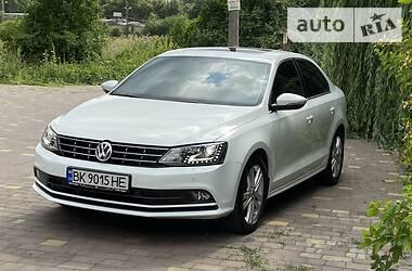Седан Volkswagen Jetta 2014 в Ровно