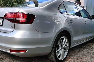 Седан Volkswagen Jetta 2015 в Харкові