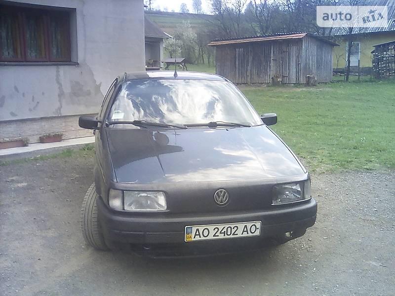 Volkswagen Passat B3 1992 в Межгорье