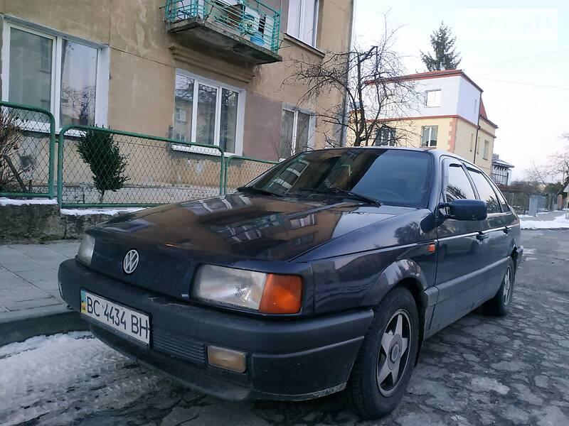 Volkswagen Passat B3 1993 в Львове