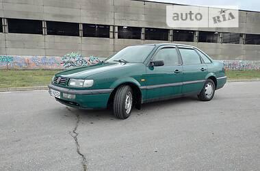 Седан Volkswagen Passat B4 1994 в Полтаве