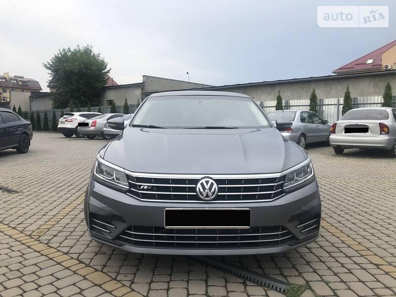 Седан Volkswagen Passat B7 2017 в Ужгороді
