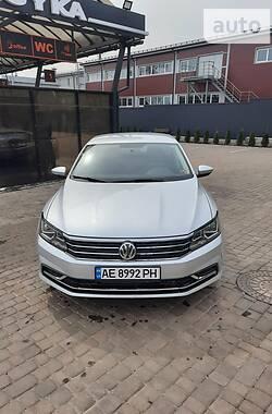 Седан Volkswagen Passat B7 2017 в Кривому Розі