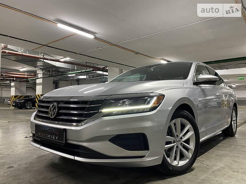 Седан Volkswagen Passat B7 2020 в Киеве