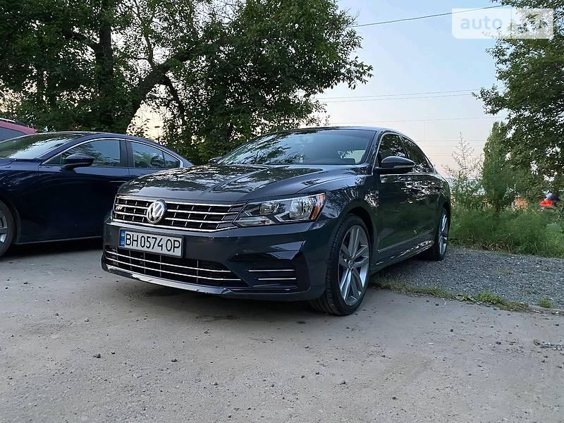 Седан Volkswagen Passat B7 2016 в Одессе