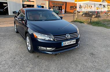 Седан Volkswagen Passat B7 2015 в Києві