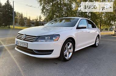 Седан Volkswagen Passat B7 2013 в Днепре