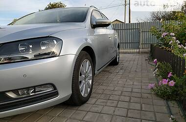 Унiверсал Volkswagen Passat B7 2012 в Маріуполі