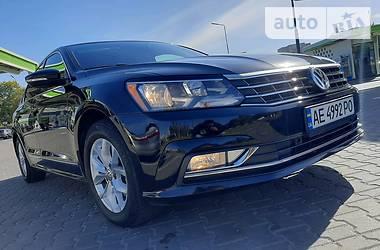 Седан Volkswagen Passat B7 2016 в Днепре