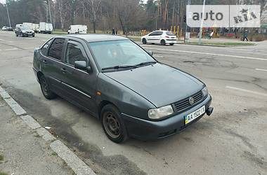 Volkswagen Polo 1998 в Киеве