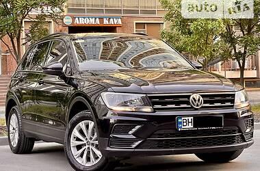 Внедорожник / Кроссовер Volkswagen Tiguan 2017 в Одессе
