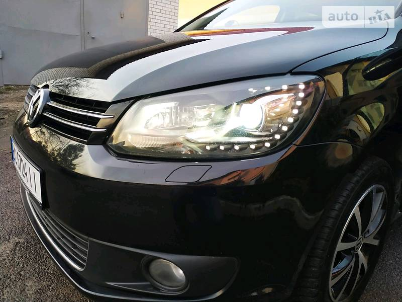 Volkswagen Touran 2011 в Львове