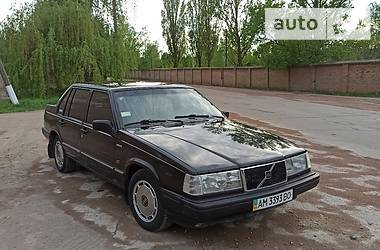 Седан Volvo 940 1991 в Коростене