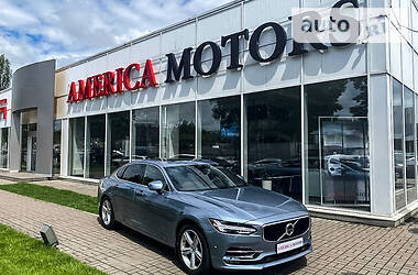Седан Volvo S90 2018 в Киеве
