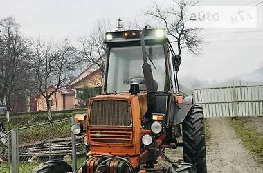 Трактор сільськогосподарський ЮМЗ 8271 2001 в Сваляві