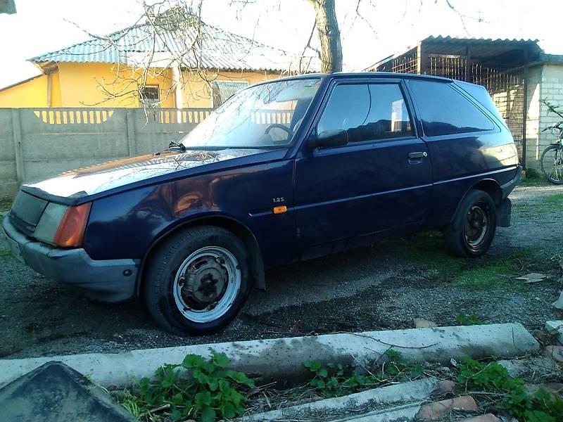 ЗАЗ 1102 Таврия 2004 в Донецке
