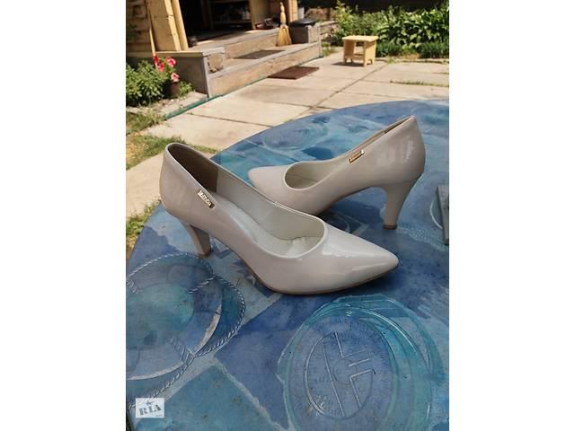 купить бу Продам туфли бу в Ирпене