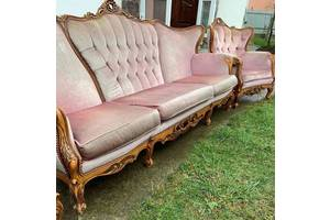 Диван і два крісла з Європи бароко