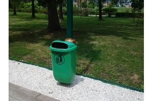 Контейнеры и урны для мусора