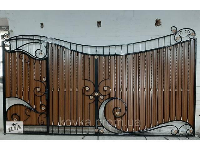 бу Кованые ворота с встроенной калиткой из профнастилом, код: Р-0132 в Ладыжине
