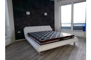 кровать двуспальные с мягким изголовьем