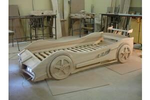 Кровать машина из дерева.