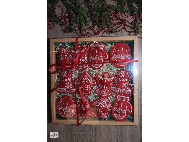 """бу Набір ялинкових іграшок """"Різдвяний"""" бордовий великий в Чернігові"""