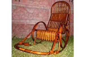 Плетеное из лозы кресло-качалка для Великана.