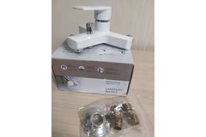 Смеситель для ванны из термопластичного пластика (пластиковый смеситель)