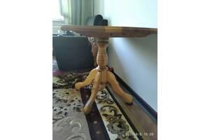 Стіл дерев'яний