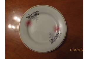 Тарелки десертные с позолотой советские новые