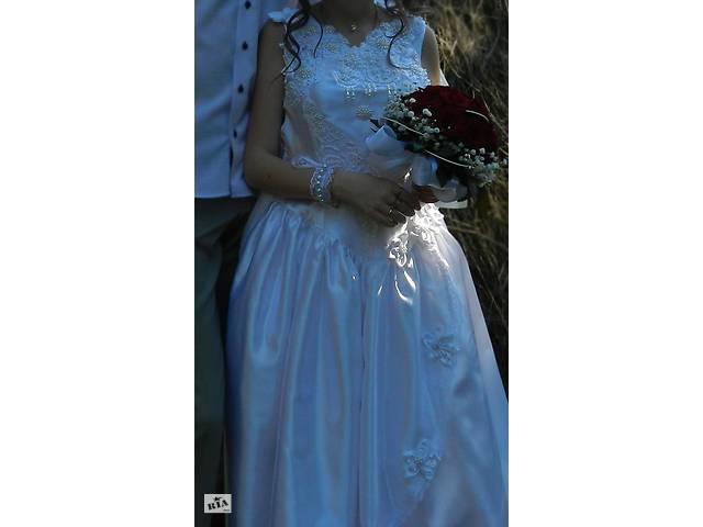 бу свадебное платье(для переделки)+подъюбник и накидка в подарок в Ужгороде