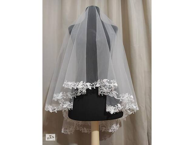 Свадебная фата фаты фаты вышивка вышивка кружево- объявление о продаже  в Миргороде