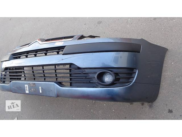купить бу Б/у бампер передний для легкового авто Citroen C4 в Львове