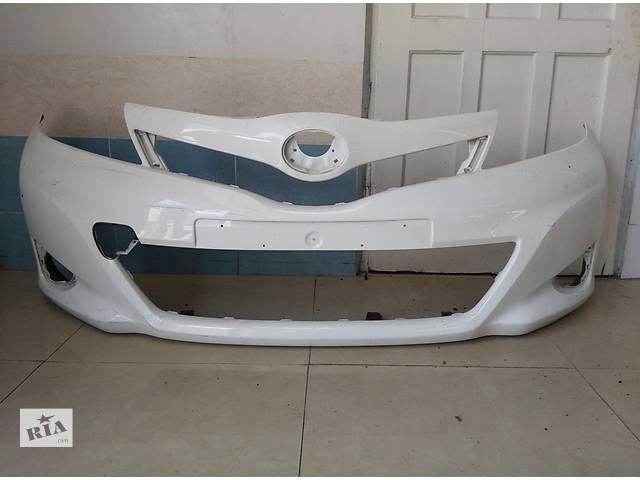 продам Б/у бампер передний для легкового авто Toyota Yaris 2011-2013 бу в Львове