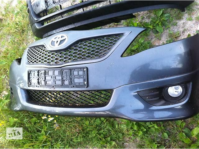 бу Б/у бампер передний Toyota Camry в Киеве