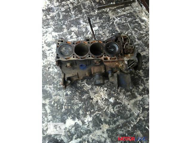 купить бу Б/у блок двигателя для минивена Nissan Versa в Луцке