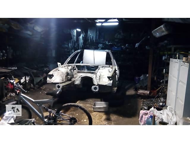 купить бу Б/у боковина для универсала BMW 3 Series (все) в Киеве