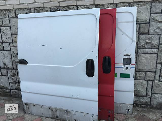 продам Б/у дверь боковая сдвижная для легкового авто Renault Trafic бу в Ковеле
