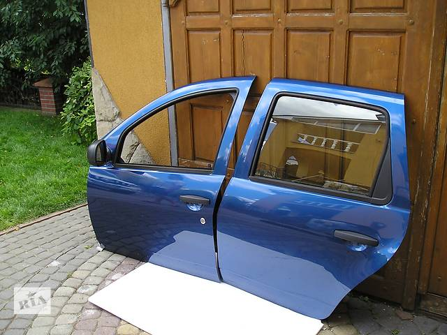 Б/у дверь передняя для легкового авто Рено Renault Дастер Duster- объявление о продаже  в Львове