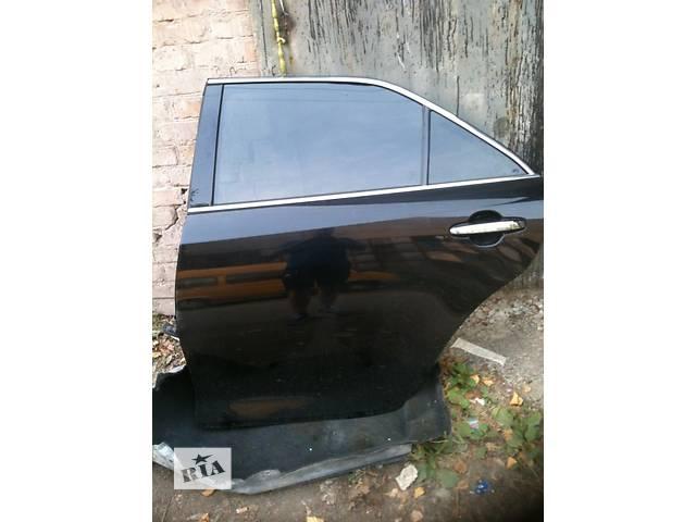 купить бу Б/у дверь передняя для легкового авто Toyota Camry 50 55 ИДЕАЛЬНАЯ  в Киеве